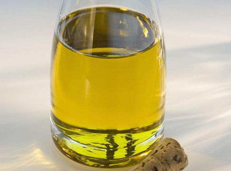 Welche Effekte bringt eigentlich das Rizinusöl? Haar- und Kopfhautpflege