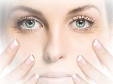 """Hey Mädchen! Es wird so viel von der richtigen Pflege der Gesichtshaut und der empfindlichen Augenhaut gesagt. Warum wird jedoch so wenig davon gesagt, was unser Teint NICHT erleiden kann? Aus diesem Grund kommt es manchmal zu verschiedenen Pflegeparadoxen. Unsere Haut """"wird verrückt"""", weil sie einerseits richtige Feuchtigkeitsspende bekommt und andererseits einen Schock erlebt, wenn […]"""