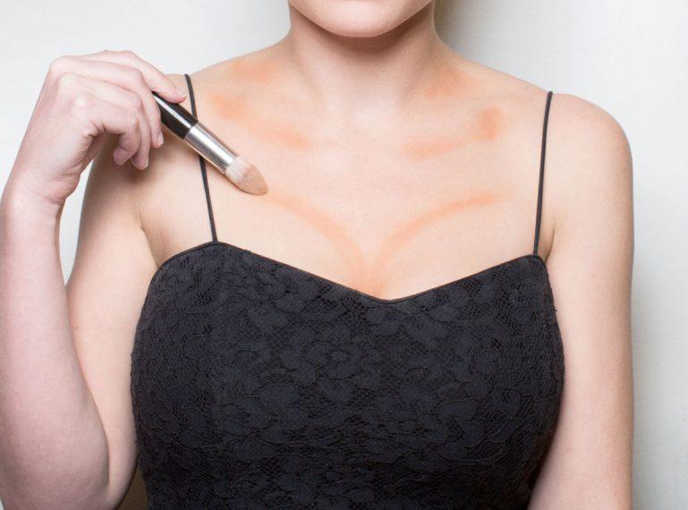 Dekolleté Make-up machen: Kosmetikprodukte und Pflege nach meinen Regeln