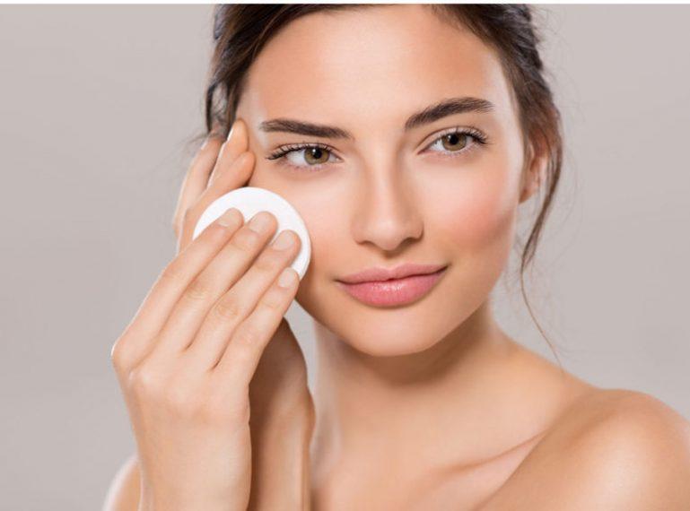 Abschminken: Wie entferne ich das Make-up?